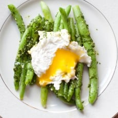 These Parsley Pesto Green Beans make a delicious meal that's gluten free, vegetarian, easy to prepare and different than your normal egg dish!