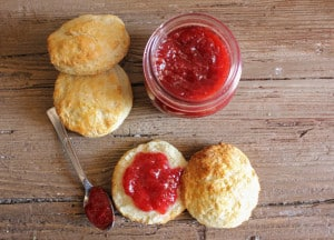 homemade-no-pectin-strawberry-jam-and-best-biscuits-20-1-of-1