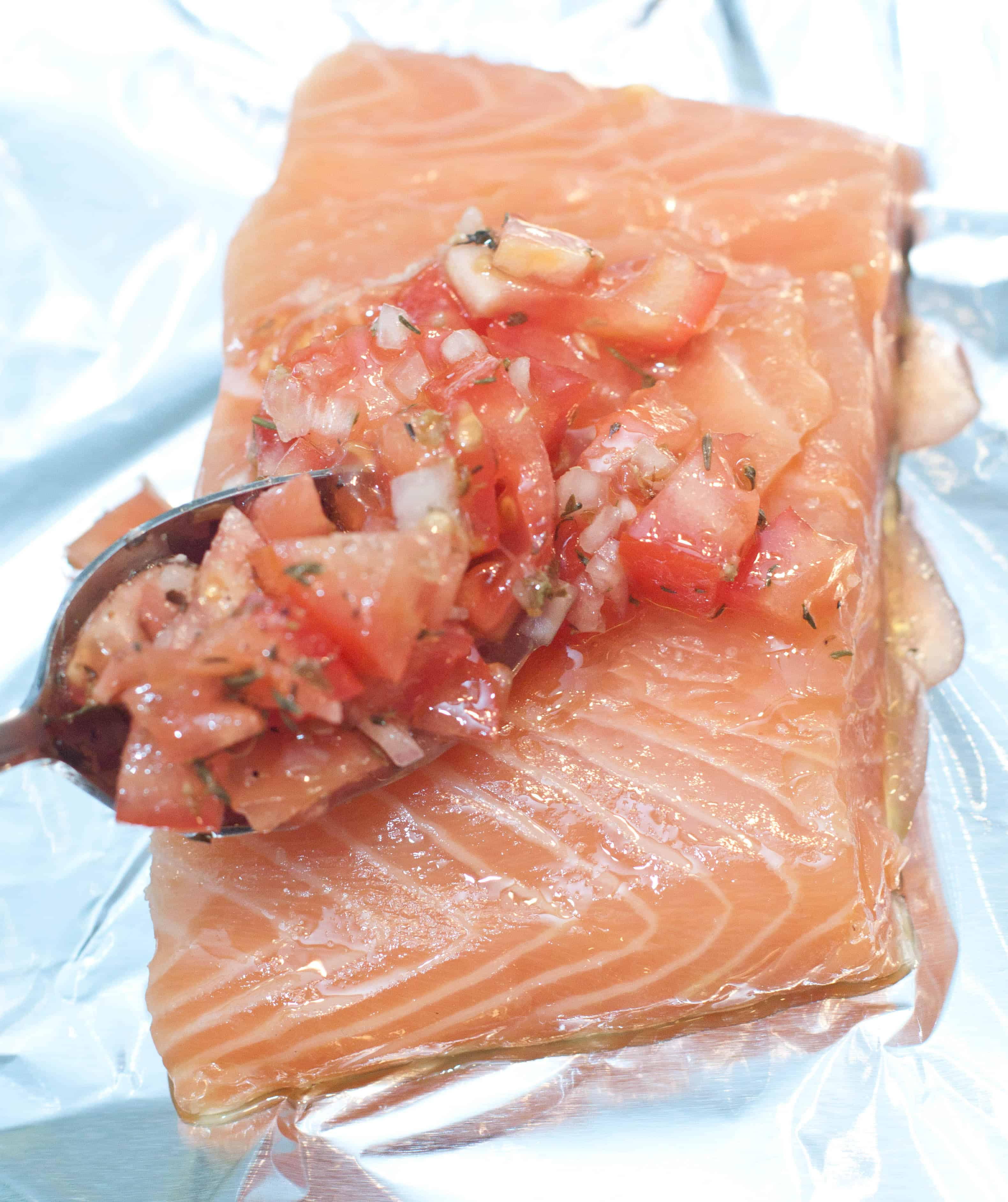 how to cook baked salmon in foil